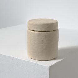 賴志盛,顏料罐_鈦灰,2014,壓克力顏料 / 紙 / 塑膠,7 x 6 x 6 cm