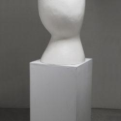 郭旭達,無題 No. 12-04,2012,白陶、透明裂紋釉,92.7 × 40.6 × 48.2 cm