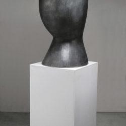 郭旭達,無題 No. 14-02,2014,陶、金屬氧化物,92.7 × 40.6 × 48.2 cm