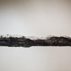 林延,孤旅,2014,墨、宣紙,40 × 337 × 5 cm