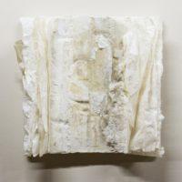 林延,紀念碑 #6,2008,宣紙、蠟,47 × 47 × 13 cm