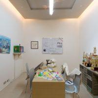 倪祥,地震後的美術教室,2013,裝置,尺寸因空間而定