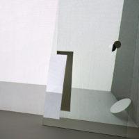 王雅慧,旅行者,2019,單頻道影像/白色木板/透明強化玻璃/水彩紙,346 x 237 x 5 cm,29分12秒