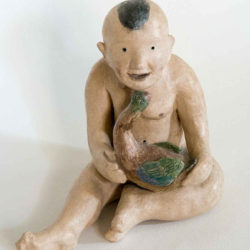 Fu-sheng KU, Boy with Goose, 1980, Painted ceramic, 17 x 16 x 15 cm